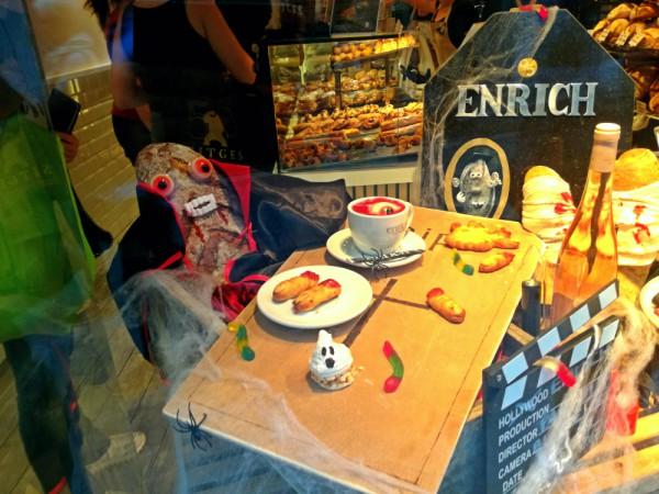 bakery halloween decorations