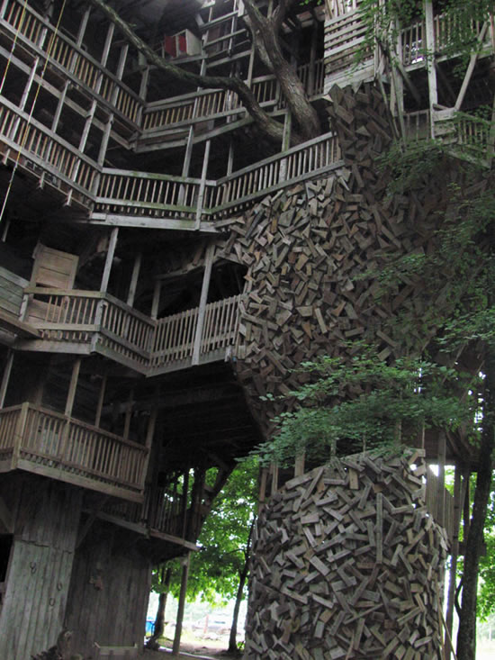 The World S Biggest Treehouse
