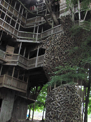 The World's Biggest Treehouse (14) 12