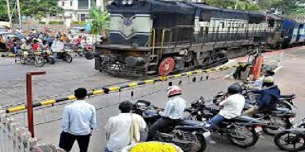 railway-fatak-ab-ho-jayenge-manavyokt-