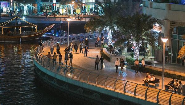 ilustrasi pengambaran pekerja di kota dubai