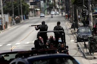 http://vnoticia.com.br/noticia/2560-pm-atualiza-informacoes-e-numero-de-mortos-em-confronto-na-rocinha-sobe-para-8