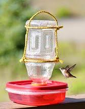 http://www.guiademanualidades.com/simple-y-facil-alimentador-para-colibries-32541.htm#more-32541