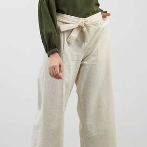 Celana Panjang Wanita Long Pant In White Bone Colour