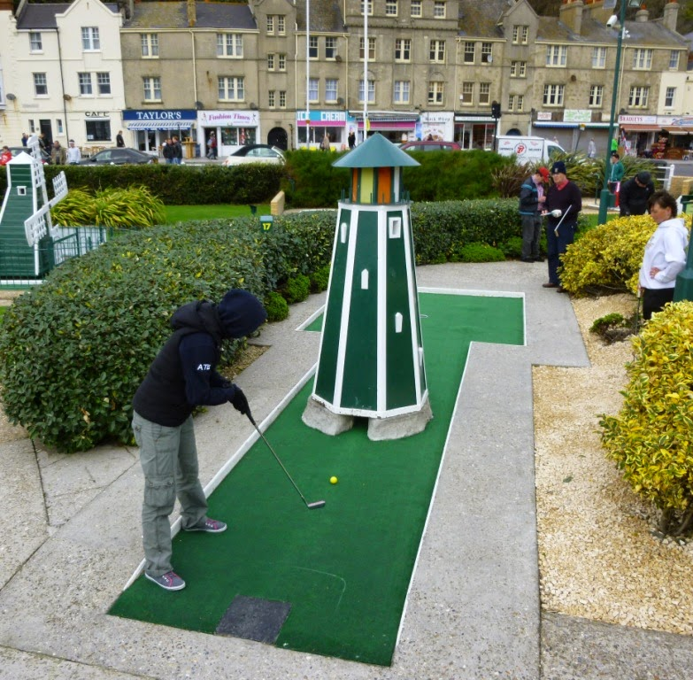 Emily Gottfried playing hole 17 at the 2014 World Crazy Golf Championships in Hastings