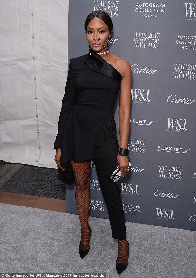Naomi Campbell rocks massive nose chain piercing