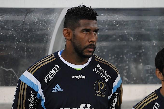 Cinco casos de racismo no futebol brasileiro - um problema que insiste em continuar