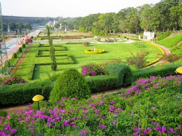 Top 10 Beautiful Gardens Of India