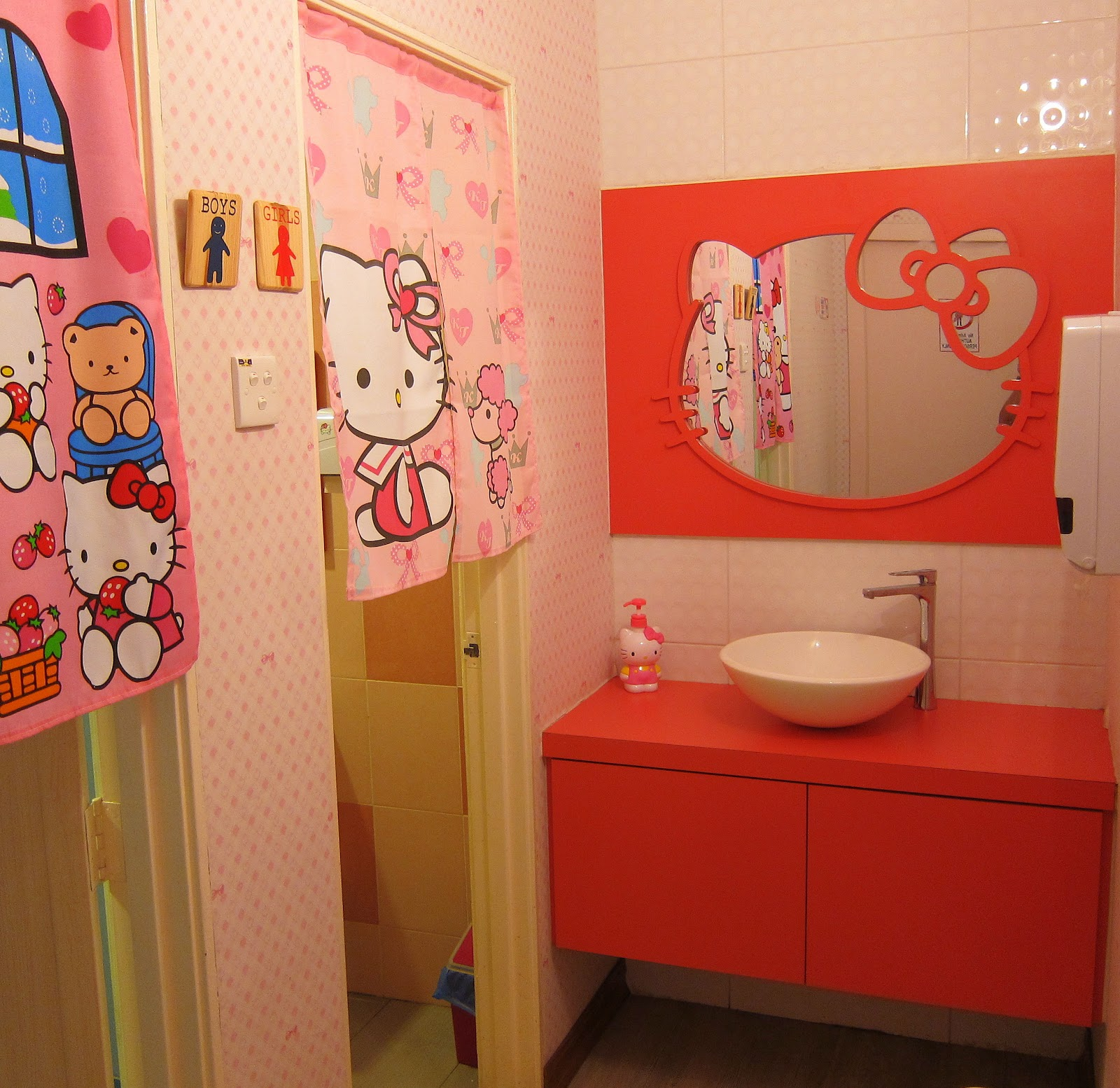 Hello kitty bathroom decor - Closed Dine With Hello Kitty Sweety House Caf In Muar Johor