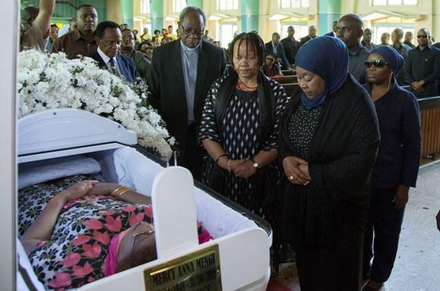 Hatimaye Mama Mercy Anna Mengi Azikwa Moshi