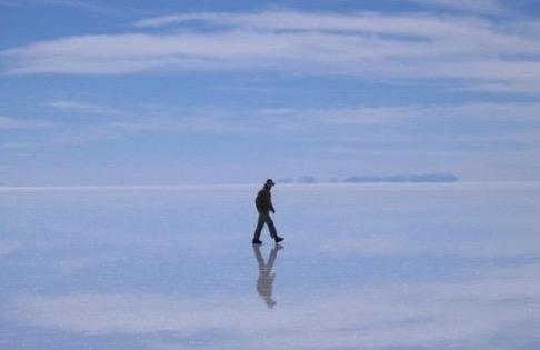 Saksikan Lautan Padang Garam yang Terbesar di Dunia