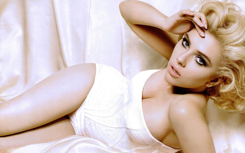 Global buzz times scarlett johansson bra size - Scarlett johansson blogspot ...