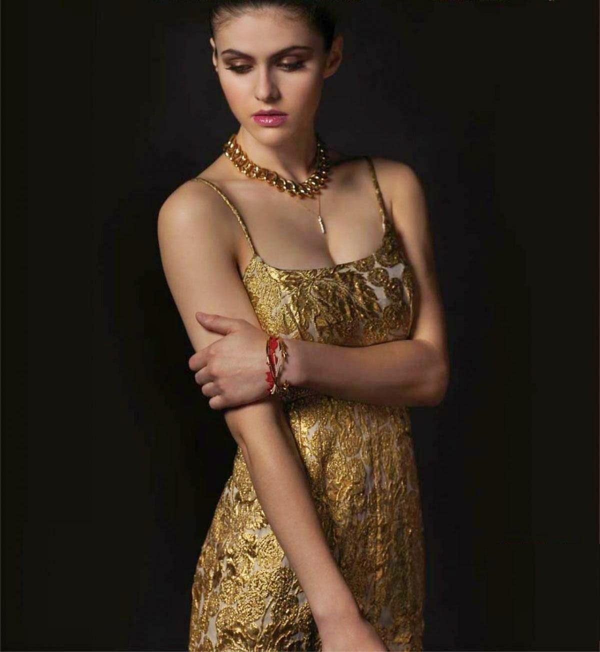 Hollywood Actress Wallpaper: Alexandra Daddario Wallpapers