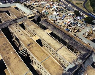 9-11 Pentagon Overhead 1 conjugando adjetivos