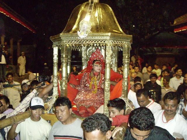 Το βασιλικό Kumari, η κυριότερη Θεά δεν πατάει ποτέ στη γη