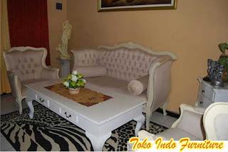 kursi sofa tamu warna putih