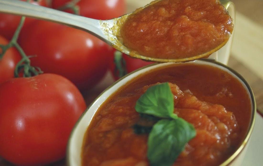 Como fazer molho de tomate, o verdadeiro molho italiano - Vídeo