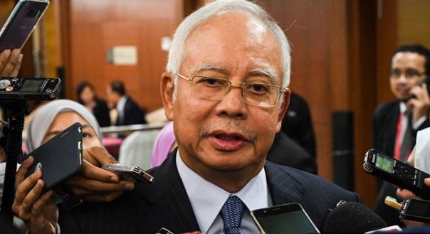 'Mereka Kata Isteri Saya Pemilik Grab, Tapi Naik Grab Juga'. – Najib Mengungkit 'Janji' Tun M Mahu Hapus Grab