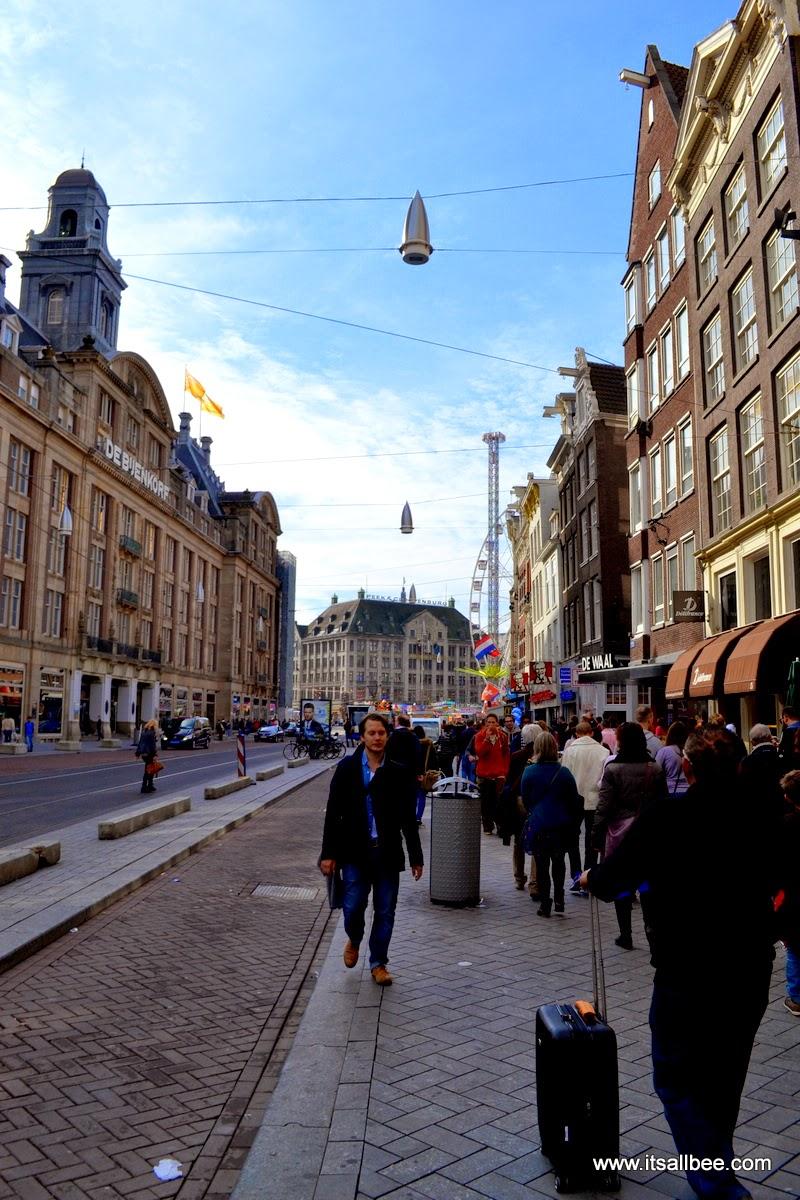 Amsterdam Debijenkorf - bikes, canals