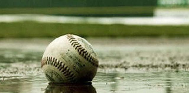 La ira de la naturaleza impidió el comienzo de la serie especial de beisbol, pero siempre que llueve escampa, la ira de los dioses del beisbol es más temible, más devastadora, oremos todos.