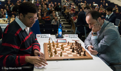 Vishy Anand y Veselin Topalov en el London Chess Classic 2015