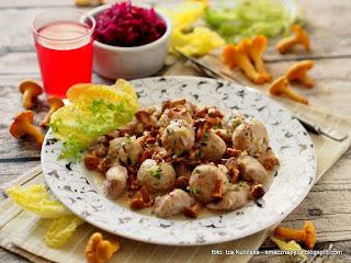 pulpety z kurczaka, kurki, sos kurkowy, pieprznik jadalny, chanterelles, grzyby leśne, złoto lasu