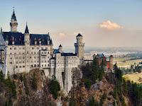 Melihat Keindahan Kastil-Kastil Megah Di Dunia
