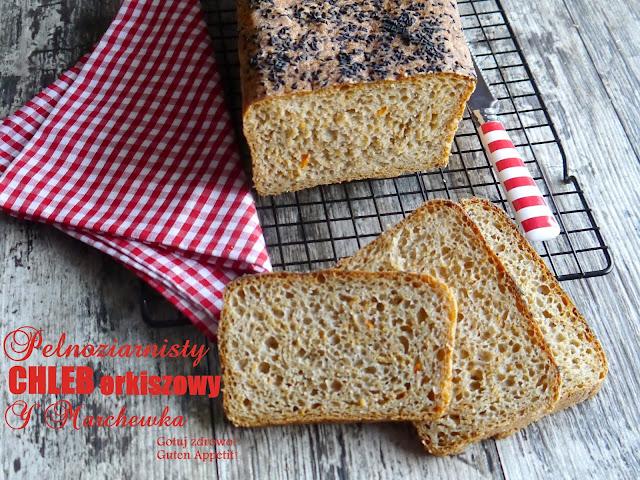 Orkiszowy chleb z marchewką i czarnym sezamem - Czytaj więcej »