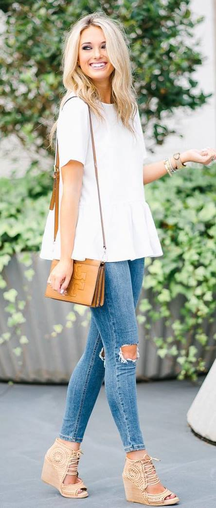 trendy outfit: top + rips + bag