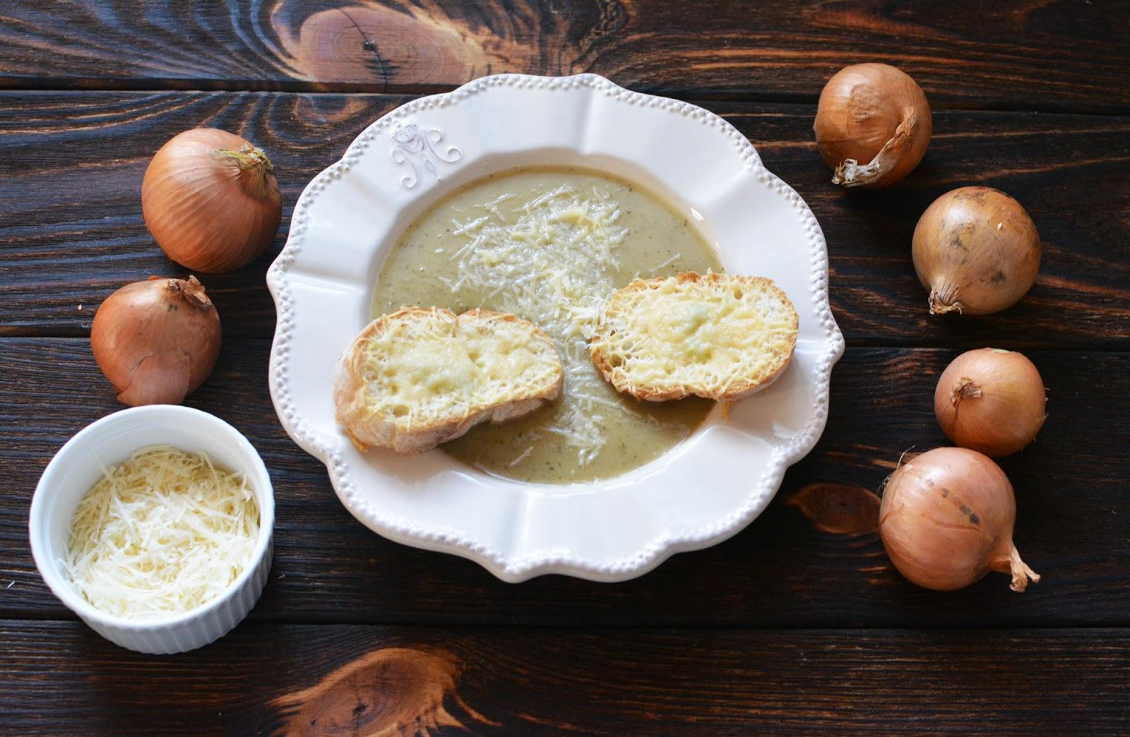 prosta zupa cebulowa