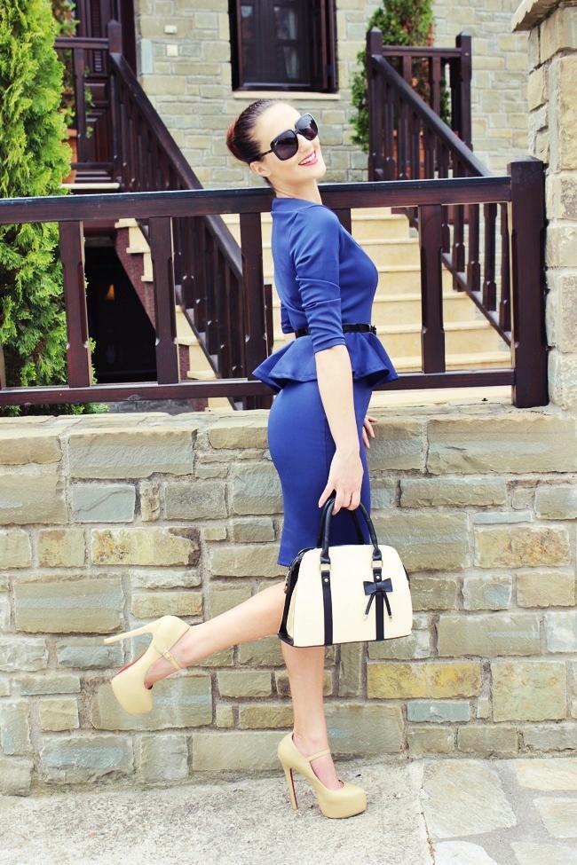 Blue peplum ladylike dress and nude high heels