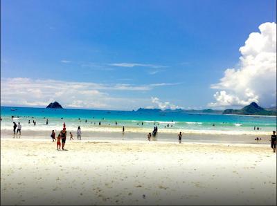 Keindahan Pantai Selong Belanak di Lombok