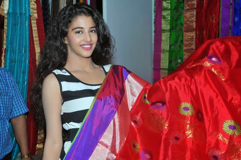 The Dazzling Fashion Expo 2014: Daksha displayes collections