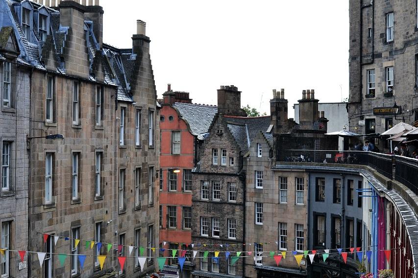 Edinburgh: Victoria Street · Lisa Hjalt