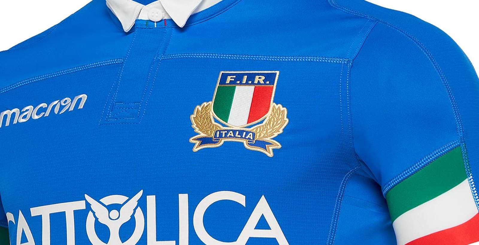 d1a2632a8 Let us take a look at the Macron Italy Rugby kits that were released some  months ago.
