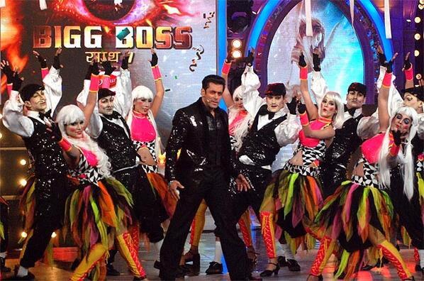 Rocking performance of Salman Khan on Bigg Boss 7 finale night