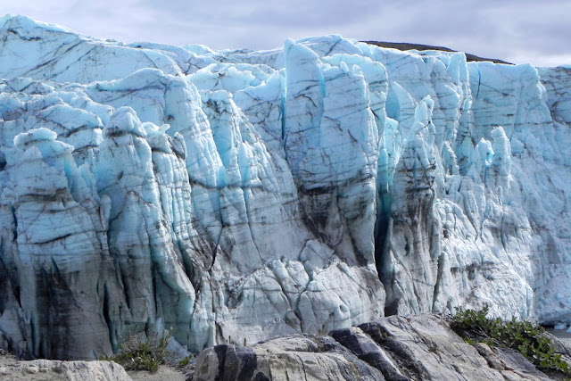 Scientists track Greenland's ice melt with seismic waves