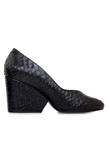 http://www.laprendo.com/SG/products/39699/ROBERT-CLERGERIE/Robert-Clergerie-Frazziak-Tessy-Black-Snakeskin-Amazon-Noir-Pump?utm_source=Blog&utm_medium=Website&utm_content=39699&utm_campaign=16+Aug+2016