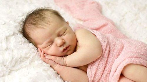 Tips Memilih Popok Kain Untuk Bayi Baru Lahir