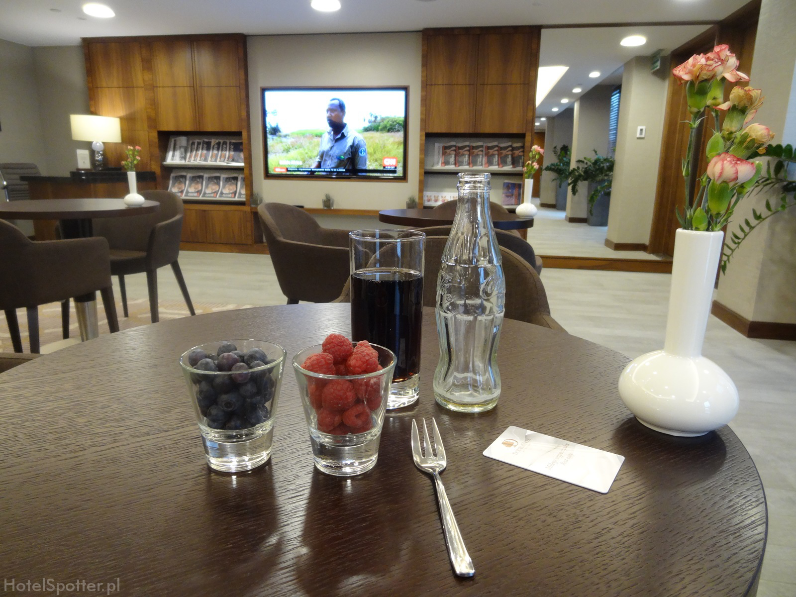 Salonik Executive Lounge w DoubleTree by Hilton Warsaw - owoce