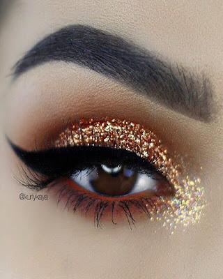 maquillaje dorado elegante