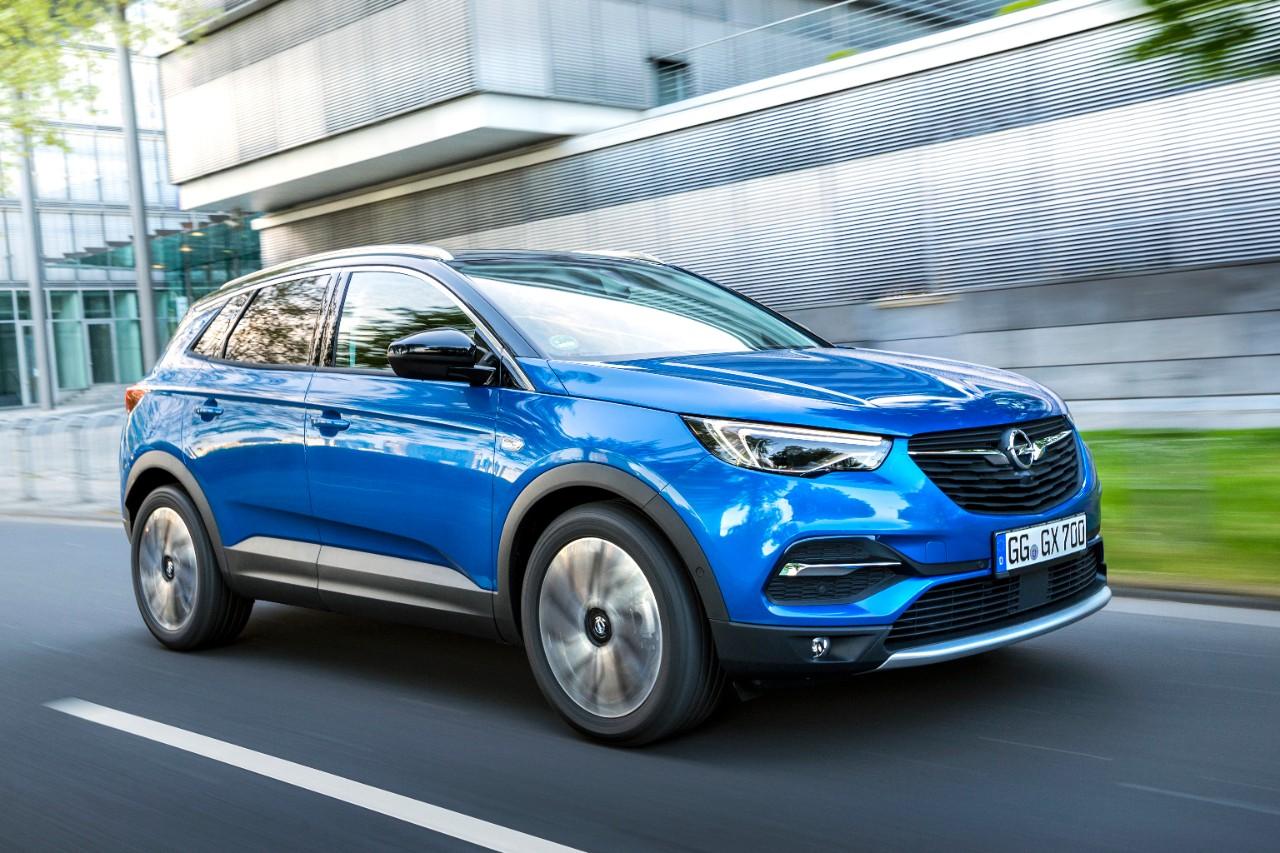Opel: Ποικιλία συστημάτων infotainment και βάσεων συσκευών
