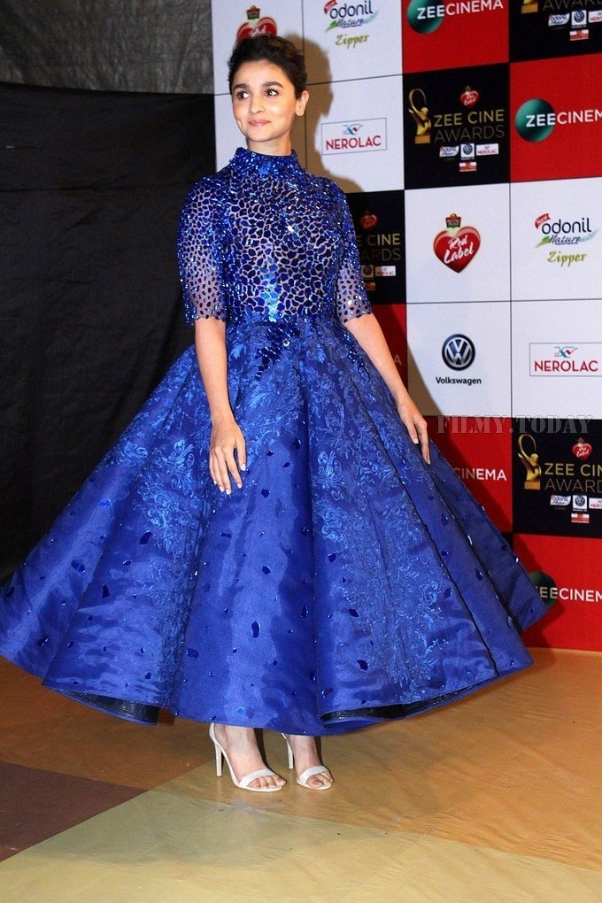 Alia Bhatt looking hot in Blue Dress as she attend Zee Cine Awards