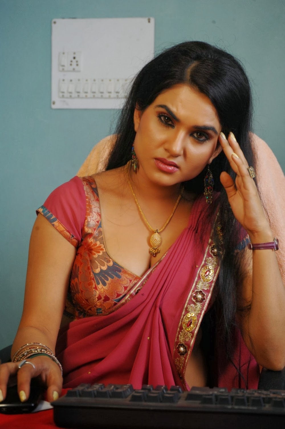 hot sexy reveling Kavya singh latest hot photos in red saree