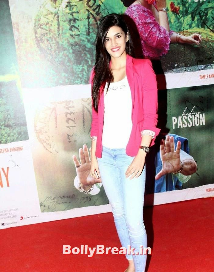 Kriti Sanon, Kangna, Mughda, Kriti attend 'Finding Fanny' Special Screening