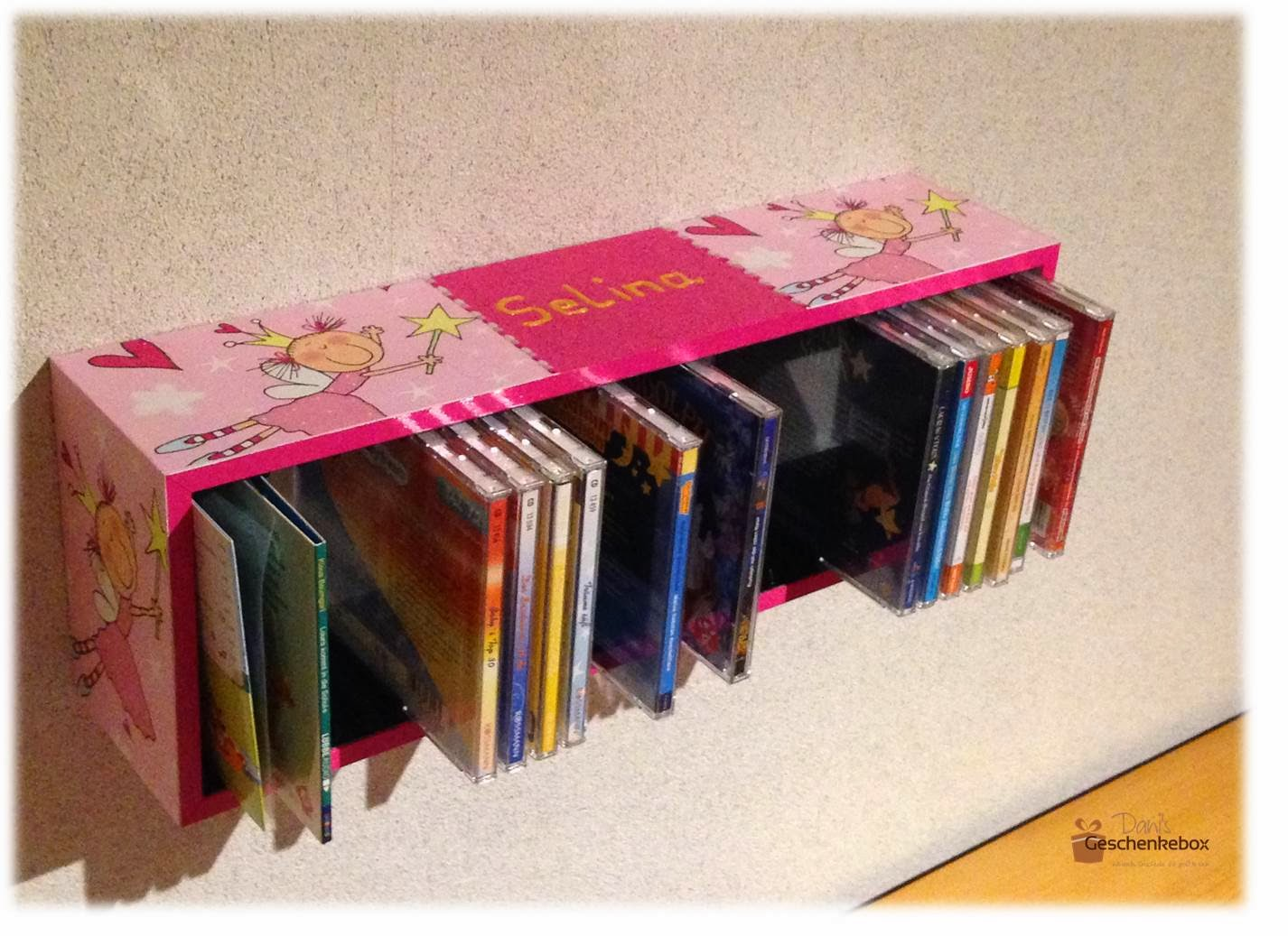 cd regale f r kinder dani 39 s geschenkebox auf ezebee. Black Bedroom Furniture Sets. Home Design Ideas