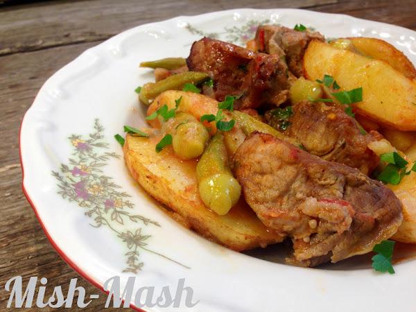 Свинско с картофи и бамя