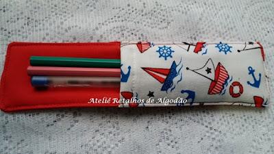 Lembrancinha Marcador de página com bolso porta lápis e canetas