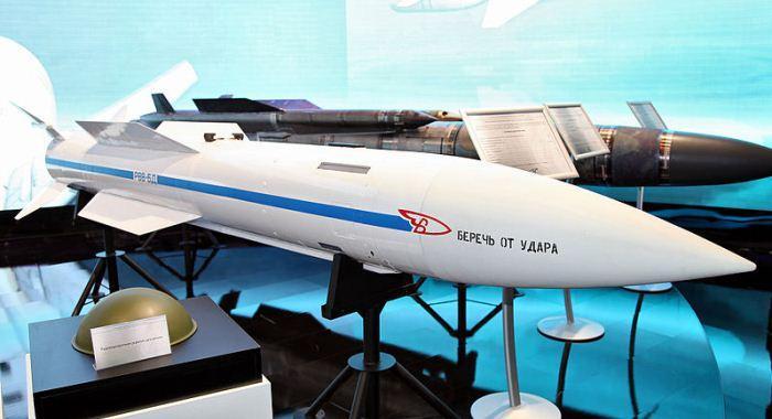 Rudal R-37M saat MAKS Airshow