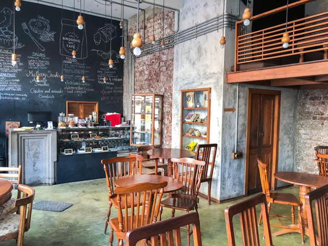 birdsong organic cafe bandra mumbai photo